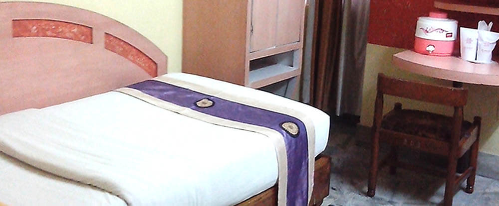AC DELUX SINGLE ROOM